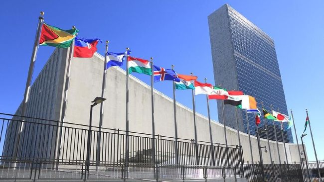 Sidang Umum PBB ke-75 diharapkan bukan sekedar ajang kumpul-kumpul dan harus memberikan solusi bagi bermacam permasalahan dunia .