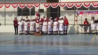 <p>Tim paduan suara anak-anak menyanyikan lagu Indonesia Raya dengan khidmad. (Foto: Instagram @lietayjap)<br /><br /></p>