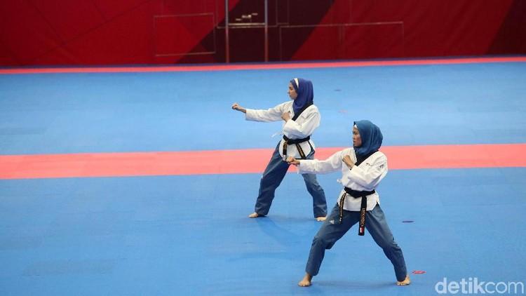 Ini dia 5 manfaat taekwondo bagi anak perempuan seperti Defia Rosmaniar, atlet Taekwondo Indonesia yang mendapat medali emas di Asian Games 2018.
