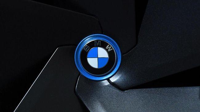 BMW Indonesia menjelaskan sejak mobil konsumen pernah ditangani bengkel tidak resmi dan sudah dilakukan pembongkaran mesin.