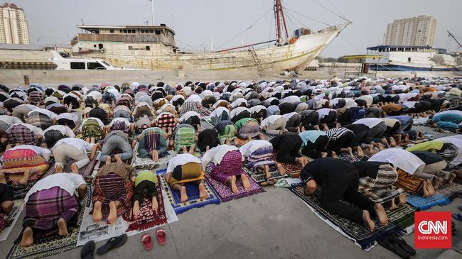 Kementerian Agama menerbitkan surat edaran panduan ibadah Iduladha 1442 H di masa pandemi Covid.