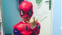 <p>Spiderdanishman in action! (Foto: Instagram @danisharsenio)<br /><br /></p>