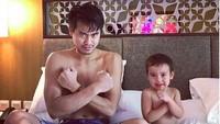 <p>Like father like son ya. Setuju kan, Bun? (Foto: Instagram @tontowiahmad_)<br /><br /></p>