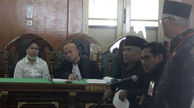 Kuasa hukum Meiliana mengatakan kliennya akan mengajukan banding ke Pengadilan Tinggi Sumut atas vonis 1,5 tahun penjara terkait dugaan penodaan agama.