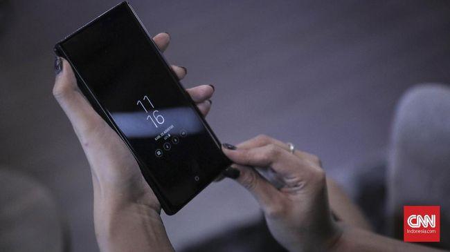 Dua produsen ponsel China, Xiaomi dan Oppo tengah gencar mengaplikasikan teknologi kamera di bawah layar untuk bisa memberikan tampilan layar yang utuh.