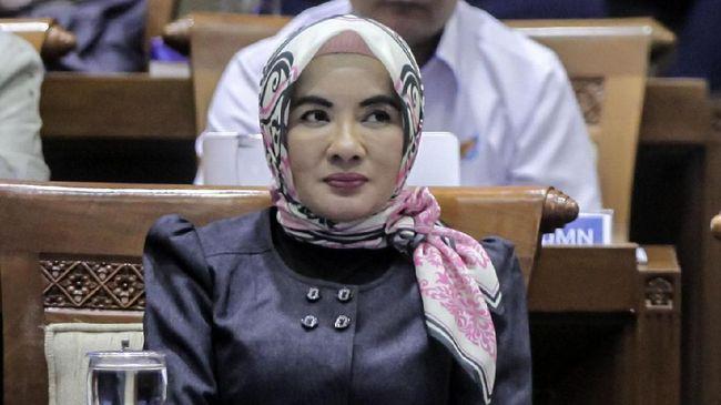 Dirut Pertamina Nicke Widyawati menyinggung pekerjaan rumah (PR) perusahaan di hadapan Komisaris Utama Ahok.