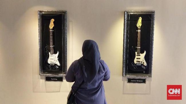 Ada hotel waralaba dari Amerika Serikat yang menyediakan fasilitas dan layanan bermalam bak bintang musik rock.