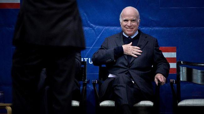 Senator Partai Republik Amerika Serikat John McCain memutuskan menghentikan perawatan medis untuk mengobati kanker otak yang dideritanya.