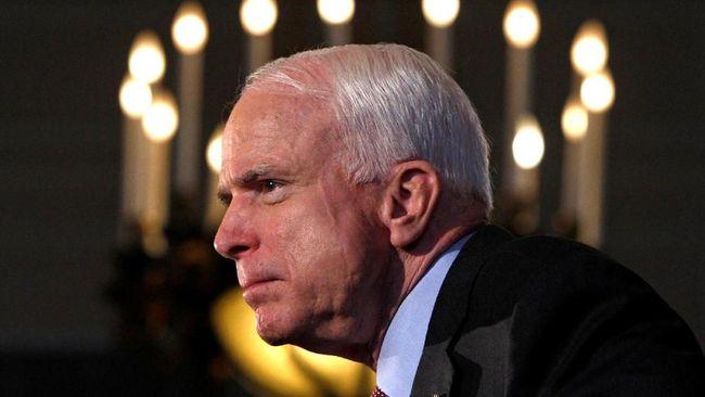 Di tengah hujan yang mengguyur Washington DC, Wapres AS Mike Pence mengatakan John McCain akan selalu dikenang secara terhormat atas pengabdiannya.