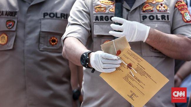 Polda Metro Jaya belum mendapatkan keterangan yang jelas terkait narkotika yang dikonsumsi Ozzy Albar, putra Ahmad Albar karena Ozzy masih terpengaruh narkotik.