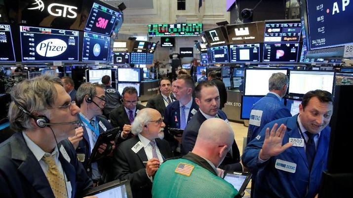 Wall Street Cetak Reli Berkat Apple dan Data Inflasi