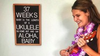 <p>Yuk, Nak, main ukulele dan kita sambut adik kecil. (Foto: Instagram/ @cbchatman) </p>