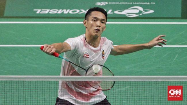 Jonatan Christie lolos ke babak kedua Indonesia Masters 2019 usai Rasmus Gemke mundur setelah gim pertama berakhir di Istora Senaya, Jakarta, Rabu (23/1).