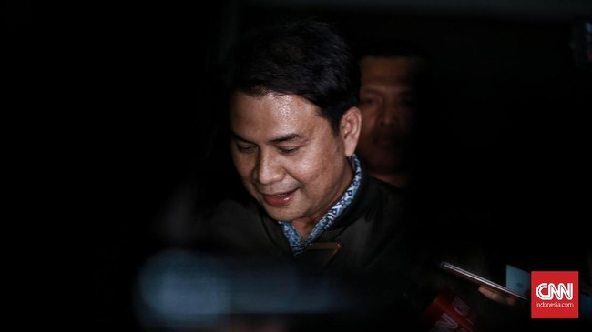 Usai Jadi Tersangka KPK, Azis Syamsuddin Bungkam