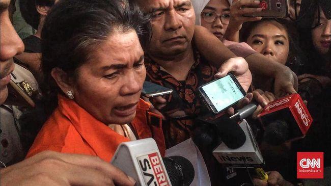 Hakim ad hoc Pengadilan Tipikor di PN Medan, Merry Purba, mengklaim jadi korban OTT KPK karena mengaku tak tahu perkara suap yang menjeratnya itu.