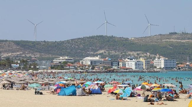 Turki masuk dalam daftar tiga besar negara dengan pantai yang mengantongi serifikat Blue Flag terbanyak di dunia.