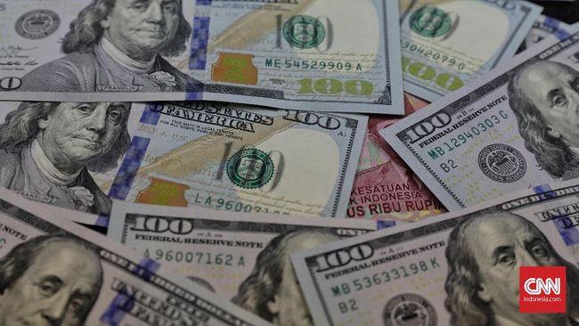 Rupiah diprediksi tembus ke Rp15 ribu per dolar AS dalam beberapa bulan ke depan karena wabah virus corona.