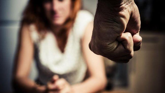 Perempuan pemilik warung kopi dianiaya Satpol PP Kabupaten Gowa berencana melaporkan dugaan kekerasan terhadap perempuan ke polisi.