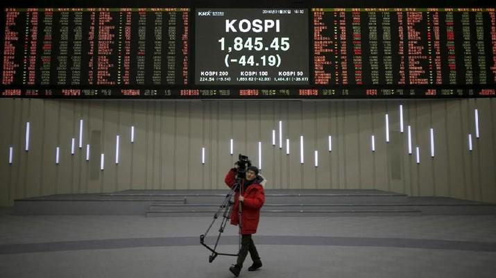 Menanti Negosiasi Dagang AS-China, Bursa Saham Asia Jatuh - PT Rifan Financindo Palembang