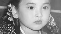 <p>Song Hye Kyo kecil sepertinya sedang akan mengikuti karnaval. (Foto: Instagram @kyo1122)</p>