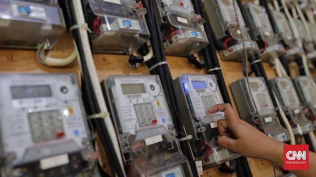 PT PLN (Persero) memastikan tidak akan menaikkan tarif listrik meski mendapatkan tekanan dari pelemahan rupiah terhadap dolar Amerika Serikat. CNN Indonesia/Adhi Wicaksono