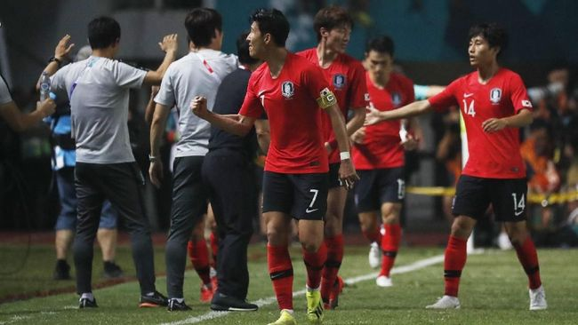 Timnas Korea Selatan mempertahankan medali emas di Asian Games 2018 setelah mengalahkan Jepang 2-1 pada laga final cabang sepak bola di Stadion Pakansari.