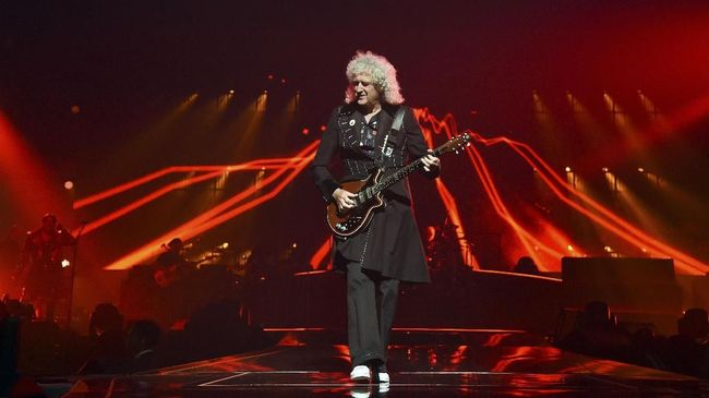 Lagu pertama yang dirilis Brian May dalam hampir 20 tahun didedikasikan untuk misi NASA 'New Horizons.'