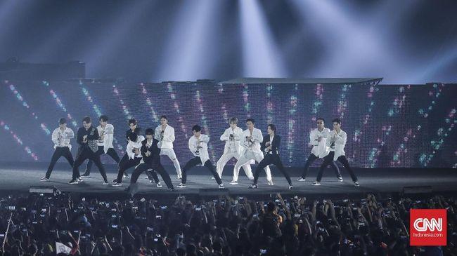 Super Junior bertemu dengan Presiden Jokowi dalam kunjungan kenegaraannya ke Korea Selatan.
