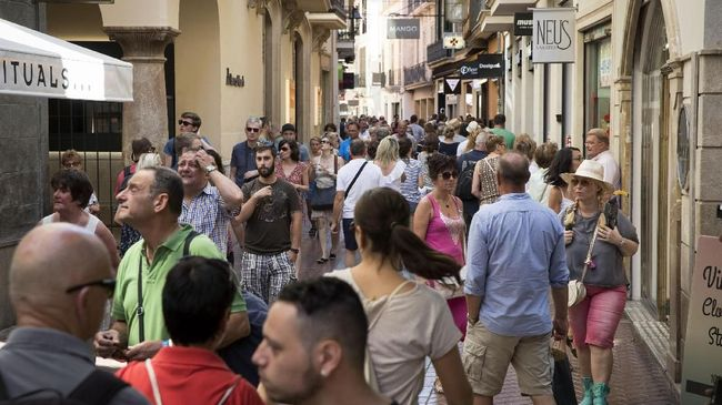 Namun tahun ini diperkirakan jumlah kunjungan wisman ke Spanyol akan menurun karena Brexit.