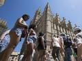5 Cara Tetap Kalem saat Wisata Musim Panas di Spanyol