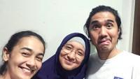 <p>Duta dan Adel rukun juga lho dengan saudara perempuan Adel yang juga publik figur, Ananda Lontoh. (Foto: Instagram/ @ananda_faturrahman)</p>
