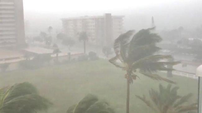 Badai Florence semakin kuat menuju ke Pesisir Timur AS