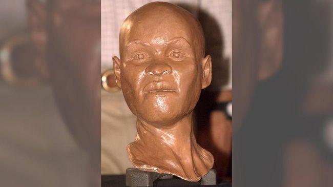 Sebuah fosil manusia purba berusia 12 ribu tahun dan asli Brasil hancur setelah kebakaran hebat melanda Museum Nasional Brasil, Senin (3/9).