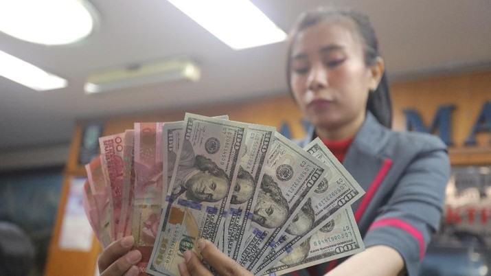 Pukul 09:00 WIB: Dolar AS Menguat ke Rp 14.905