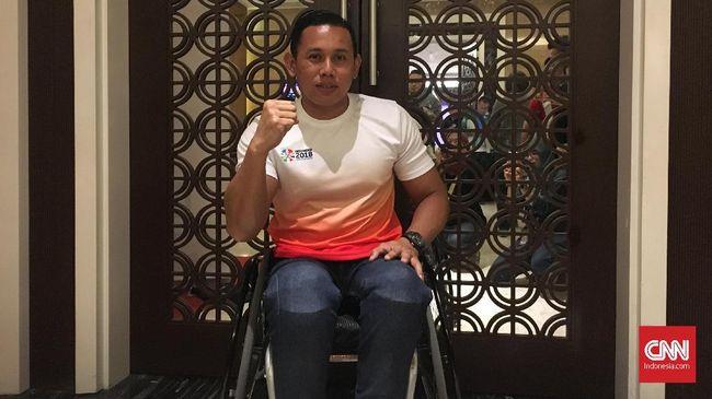 Kecelakaan motor di daerah Cikalong Wetan pada 2006 silam mengubah jalan hidup Jainal Aripin. Ia kini menjadi atlet balap kursi roda yang berprestasi.