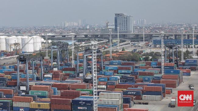 Menteri Perdagangan Enggartiasto Lukita mengakui masih ada aturan yang sampai saat ini mengganjal kinerja ekspor dalam negeri.