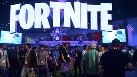 Jajal Fortnite <i>Mobile</i> dengan Gim Konsol