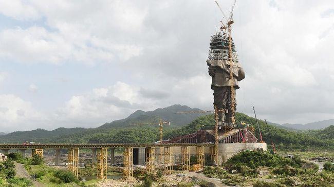 India tengah dalam masa pembangunan proyek patung terbesar di dunia yang tingginya mencapai dua kali lipat patung Liberty di Amerika Serikat.