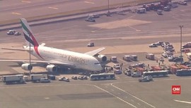 VIDEO: Ratusan Penumpang Emirates Sakit Saat Penerbangan AS