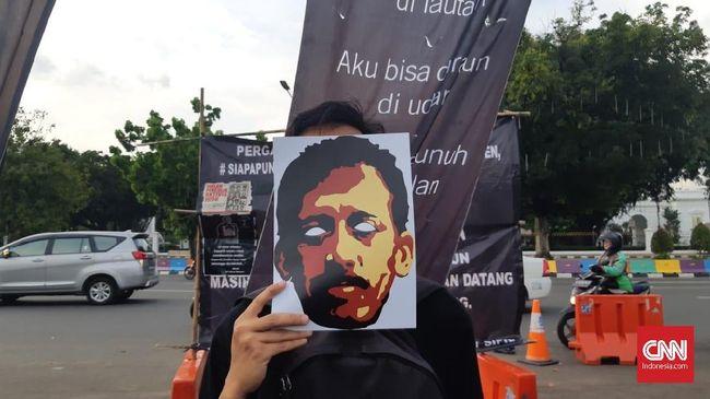 Komnas HAM menetapkan 7 September--tanggal dibunuhnya aktivis Munir Said Thalib dengan racun dalam penerbangan---sebagai Hari Perlindungan Pembela HAM.