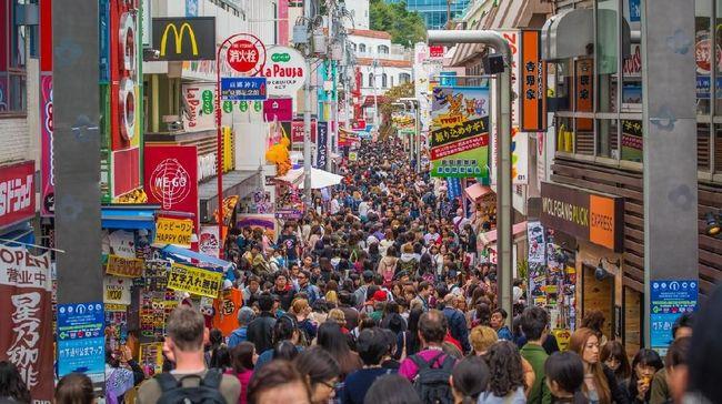 Bagi yang ingin wisata selama Olimpiade Tokyo 2020, sebaiknya segera pesan tiket pesawat dan hotel dari sekarang.