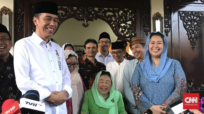 Yenny menyebut Jokowi sosok yang berani, sederhana dan menghadirkan keadilan sosial. Tiga karakter ini mengingatkan Yenny pada sosok ayahnya, Gus Dur.