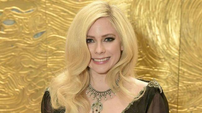 Avril Lavigne tidak begitu saja mendapatkan tahta sebagai Punk Princess. Dia harus melewati naik-turun kehidupan, termasuk menghadapi kematian.