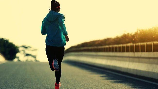 Berlari saat cuaca panas memang perlu berhati-hati karena matahari yang menyengat. Berikut tipsnya untuk Anda.