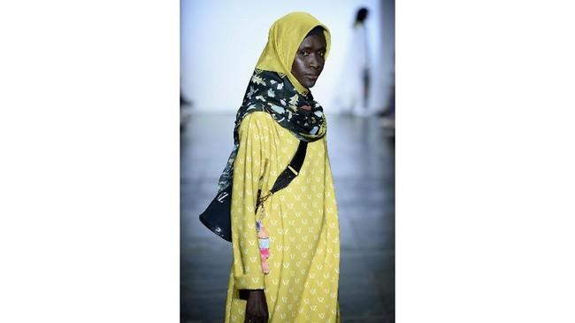 Tiga desainer Indonesia yang tergabung dalam Indonesian Diversity tampil di New York Fashion Week dengan mengunggulkan budaya Indonesia.