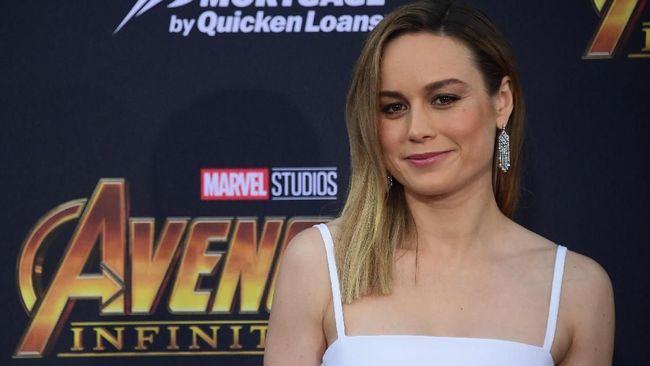 Aktris Brie Larson tampaknya terkesima usai memerankan sosok Carol Danvers alias Captain Marvel di film ke-21 Marvel Cinematic Universe tersebut.