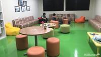 <p>Area student lounge juga nyaman. </p>
