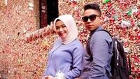 <p>Aih, Sheza dan suami romantis banget. Hangout berduaan! (Foto: Instagram @shezaidris)<br /><br /></p>