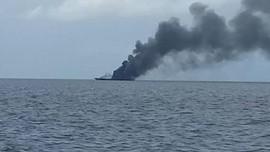 Tujuh Kapal Terbakar Hebat di Pelabuhan Iran