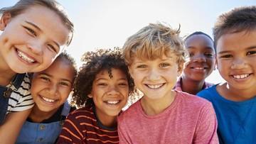 6 Cara Latih Anak Menghargai Perbedaan dan Berpikiran Terbuka